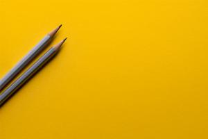 pencils-yellow